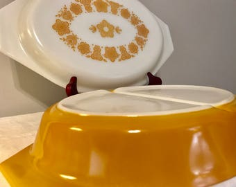 Pyrex Butterfly Gold Divided Dish with Opal Lid
