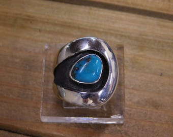 A-Symmetrical Vintage Sterling Silver Turquoise Shadowbox Ring Size 6