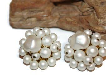 Vintage Cluster Earrings, White Cluster Earrings, White Beaded Earrings, Wedding Earrings, 1940s Fashion, Mad Men, Vintage Earrings for Her