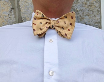 Vintage Tan/Yellow Patterned Self Tie Bow Tie