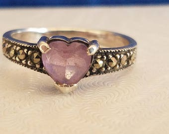 R105 Sterling Silver Ring with Heartshaped Amethyst