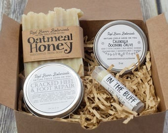 Oatmeal Honey Organic Gift Box Set ~ Natural Christmas Present Idea For Mom, Artisan Bar Soaps, Holiday Basket for her, Sister, For women