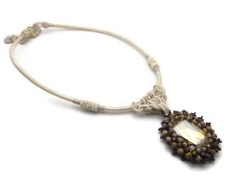 Crystal cabochon pendant necklace