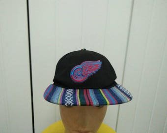 Rare Vintage DETROIT RED WINGS Big Logo Embroidered Cap Hat Free size fit all