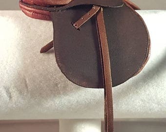 Plain flap Hunt saddle for model horses