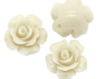 5 beads in the shape of flower color Beige with coral Imitation of 13mm