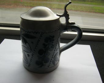 Beer with tin lid, with Maßstrich 0.5, earthenware jug signature m slot Germany at 1970 Color Grey