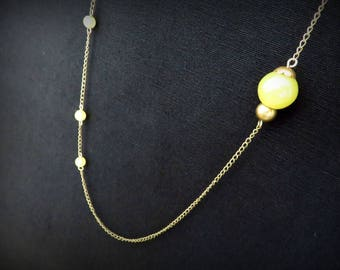 Asymmetrical necklace green yellow beads