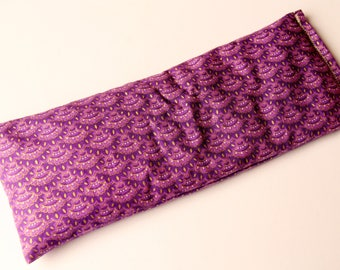 Therapeutic, Relaxing Yoga/Meditation Flaxseed Filled Eye Pillow - Purple Scallops