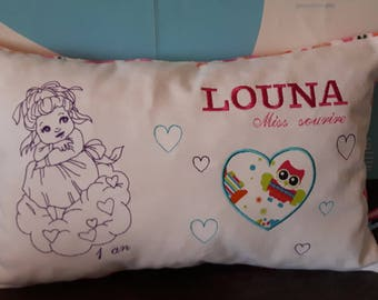 Pillow embroidered and personalized girl 30 / 45cm