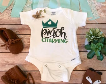 Funny St Patricks Day Onesie®, St. Patrick's Day Baby Outfit, Kiss Me I'm Irish, Baby Boy Clothes, Pinch Charming, I Pinch Back Shirt,Prince