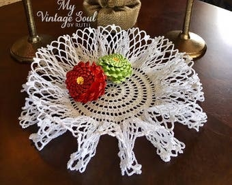 White Ruffle Doily - Vintage Style Doily - Doily Bowl - Pineapple Crochet Doily - Country Rustic Decor - Housewarming Gift - Christmas Decor