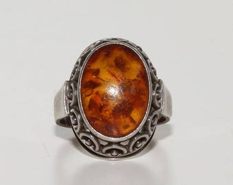 Vintage Silver Ring (835/1000) with Genuine Baltic Amber - Ring Size 58 (18.5 mm/ 8.5)