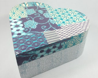BOX - HEART PATCHWORK OF BLUE-CRACKLED PAINT WOODEN BOX