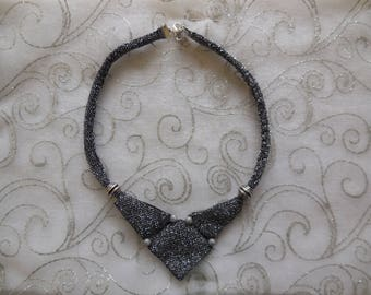 Choker in silver lamé fabric