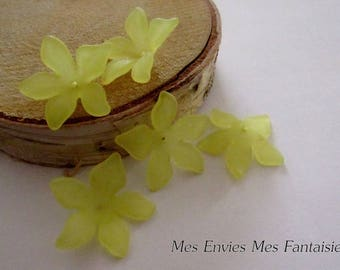 4 cup 29 x 27mm yellow acrylic flower beads