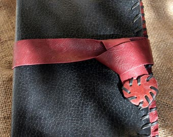 Leather travel journal - Black and burgundy