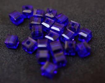 20 cubic Crystal 4 mm dark blue N5