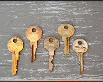 Antique Vintage Keys (5) Old Keys - Vintage Hardware Locksmith Keys - Lot 25
