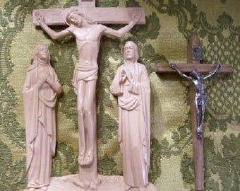 2 Vintage Catholic Crucifixes. Make yourself a shrine! Create a comforting little corner! Bring in some light! Everything's alright.