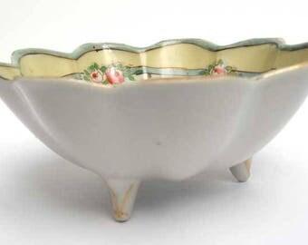Fluted Tri Footed Sweet Bon Bon Dish Bowl Japan Vintage