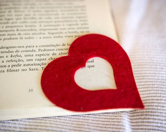 Bookmark in the shape of a heart