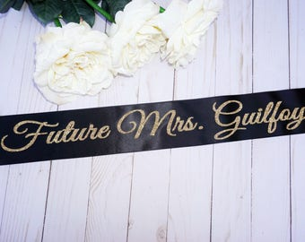 Bachelorette Sash, Bridal shower gift, Bride gift,Bachelorette gift, Bride sash,Bachelorette party sash, Bachelorette sash,Personalized sash