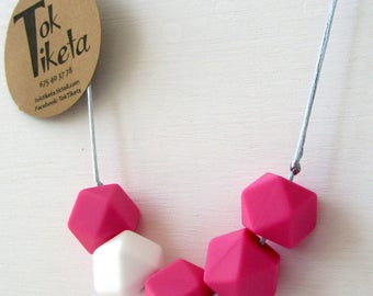 Breastfeeding or teething necklace. Teething necklace. Silicone Bead Teething Jewellery. MOD.5