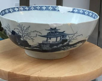 18th Century Worcester Blue and White bowl
