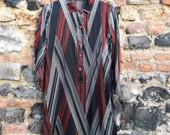 Graphic black and Red 70s dress