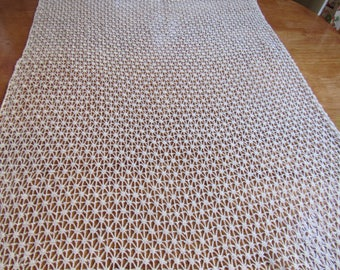 FREE SHIPPING USA   Off  White  Cotton Crocheted Dresser Scarf Table Runner 2302