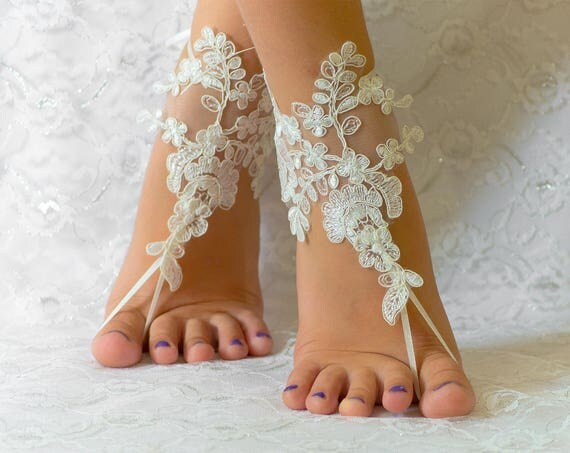 Wedding shoes lace, Ivory Barefoot sandles sandals, beach wedding shoes, wedding lace shoes, bridesmade gift, beach shoes