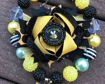 First birthday Bumble bee bow with matching bumble bee chunky bead necklace black and yellow bubble gum necklace with bee bow set