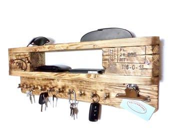 Stylish shelf with key board (10 hooks)