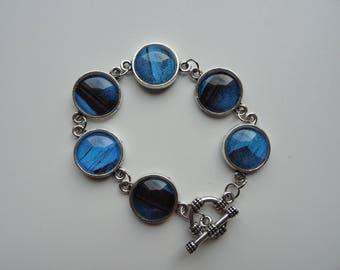 A dreamy blue cabochon bracelet