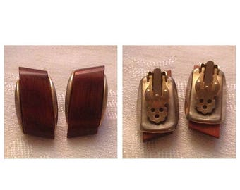 On Sale Vintage Wood Look Clip Earrings