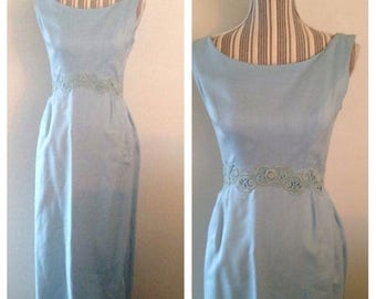 Anniversary Sale Absolutely Gorgeous Vintage Robins Egg Blue Linen Dress