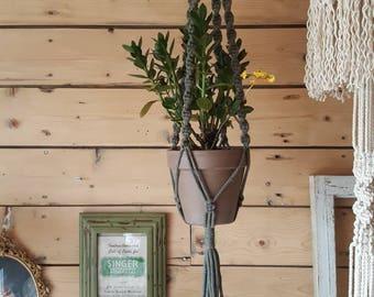 Pale green planter, Les Loleries macrame wall hanging planter, Support plants, macramé plant hanger, Plant hanger, plant