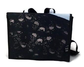 Bag back medium, black, white, lace pattern