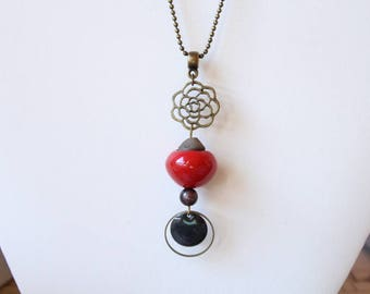 Necklace with red ceramic bead and sequin black