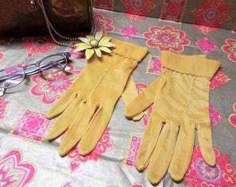Vintage Ladies Gloves Orangy Yellow
