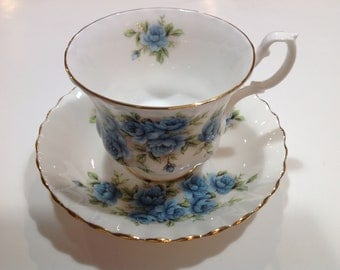 Royal Albert, Blue Rose, Bone China Tea Cup and Saucer, Made in England