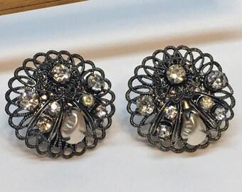 Filigree Pearl Earring Clip-on Rhinestone 1950's Gunmetal Vintage