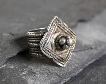 Vintage Yemeni Bedouin silver ring, tribal arabic