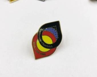 Custom enamel metal pin, custom enamel badges, custom badge