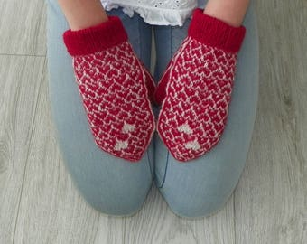 Patterned mittens Pattern mittens Valentine's gift for her With heart Red and white mittens Warm mittens Winter mittens Knit gloves Colorful