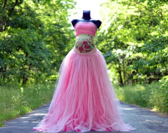 Full length tulle skirt, top and unique belly blanket , maternity skirt, photo prop ,adult tutu, maternity props, maternity gown RTS