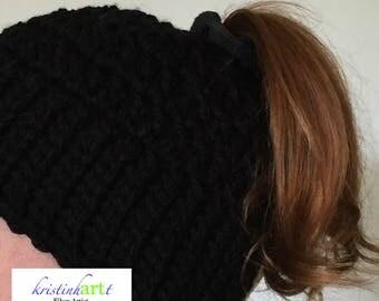 Basic+ Messy Bun/Ponytail Beanie / Handmade Crochet / Women's Gift Idea / Men's Gift Idea / Soft / Warm / Available in 4 colors