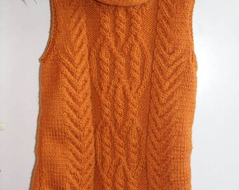 Knitted vest. Wool vest.