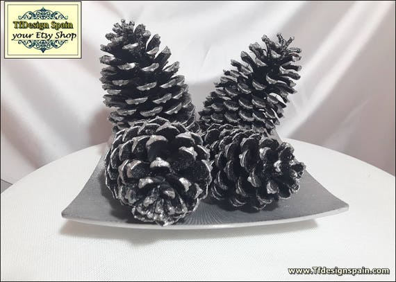 Christmas decor in black, Christmas decor home, Christmas decor elegant, Christmas decor Etsy, Christmas decor gift, 4 Pine cones decorated